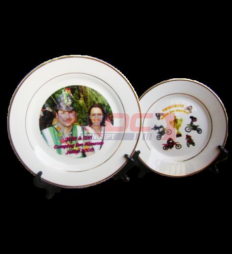 Assiette en céramique blanche avec liseré or - 2 formats Ø 20 cm / Ø 25,5 cm