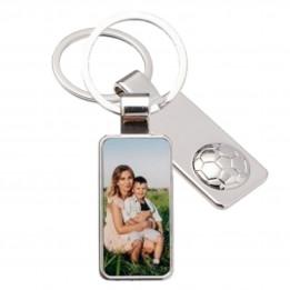 Porte-clé en métal luxe argenté rectangle avec ballon de foot 2,2 x 5,5 cm (vendu à l'unité)